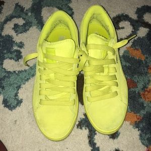 2308313caff0 Puma suede neon yellow